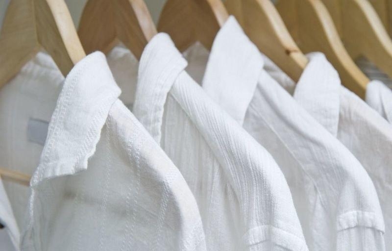 Как правильно выбрать средства для стирки белых вещей