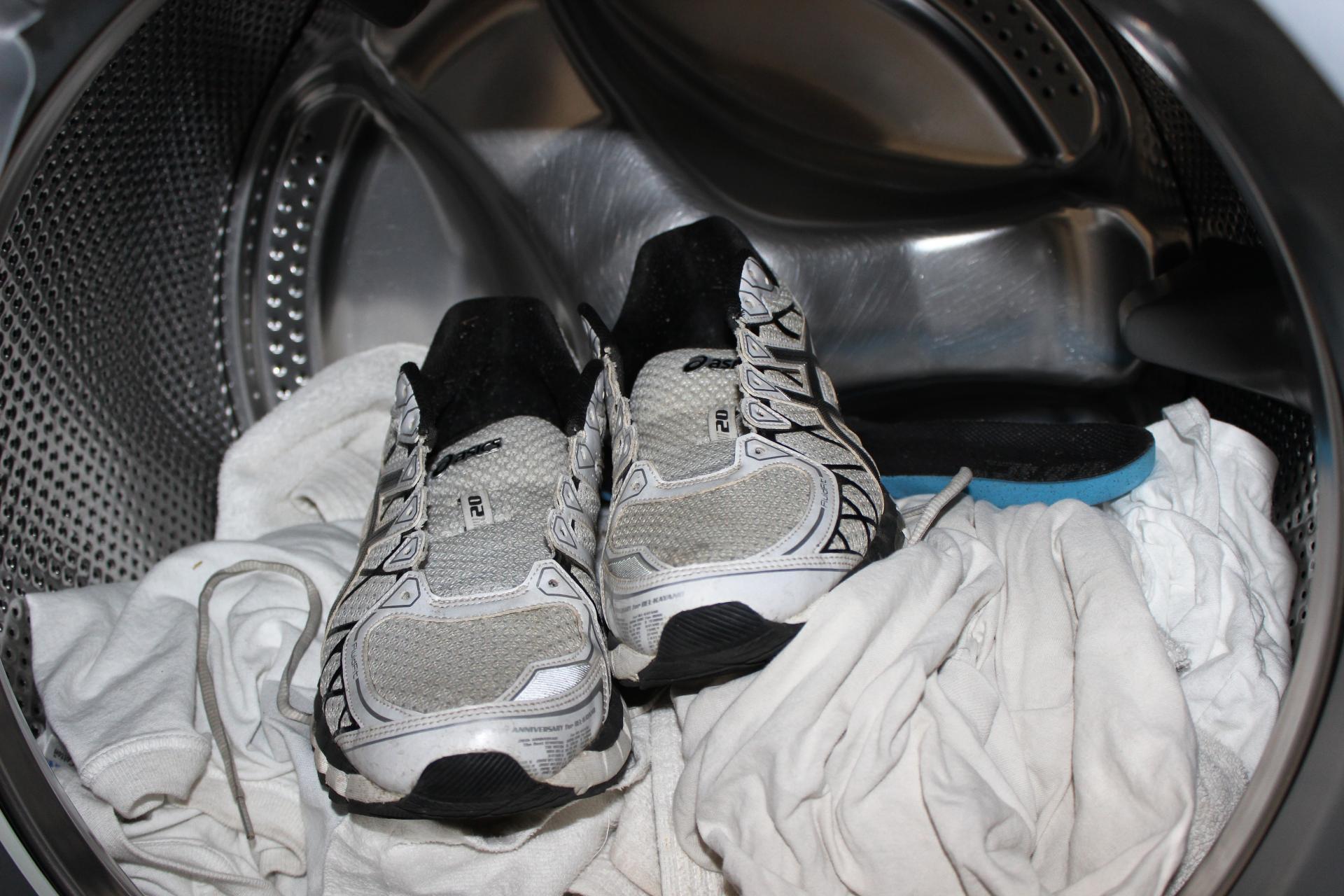 Какие виды стирки подходят для обуви