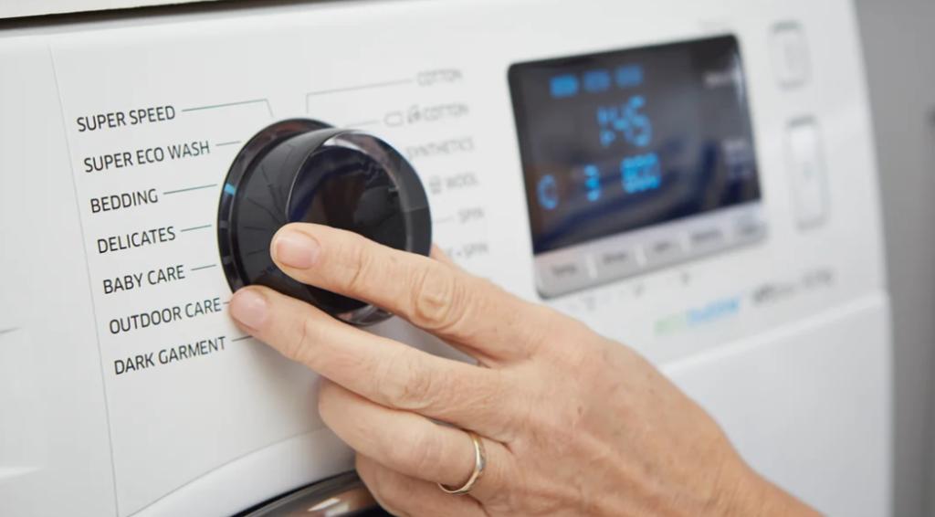 Можно ли стирать в стиральной машине замшевую обувь