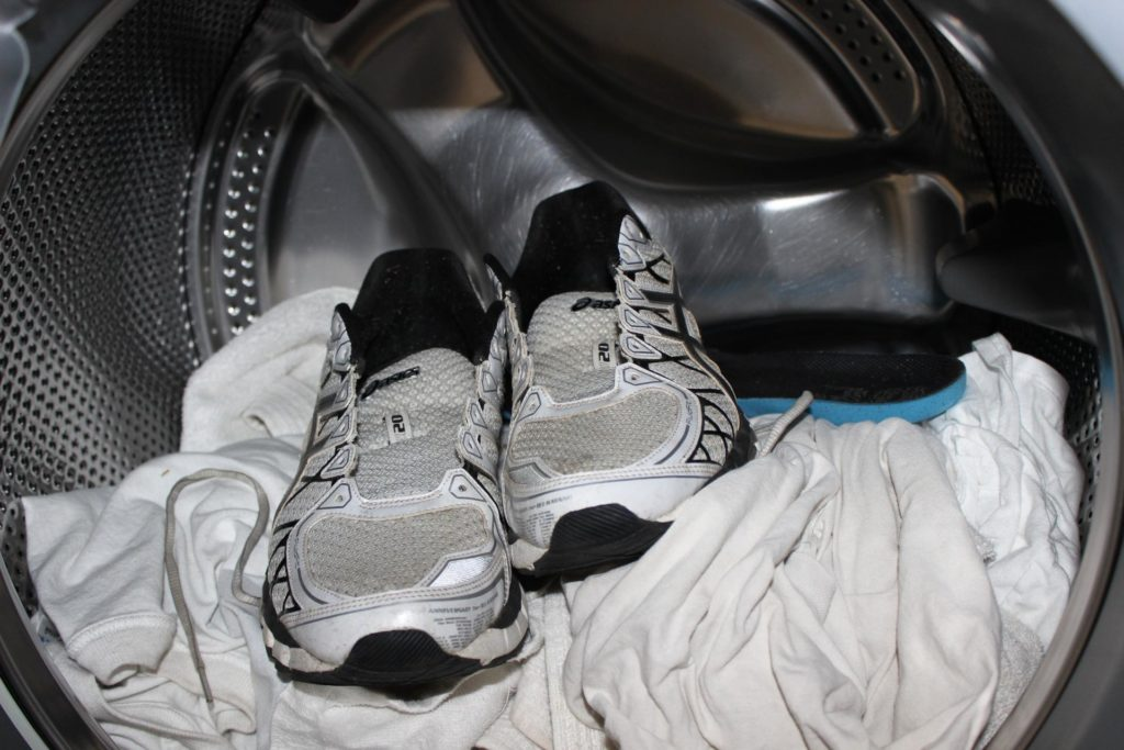 Как высушить обувь после стирки в домашних условиях